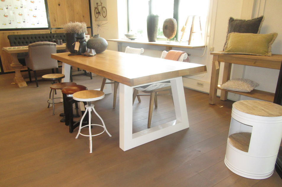 Witte poot angle tafel