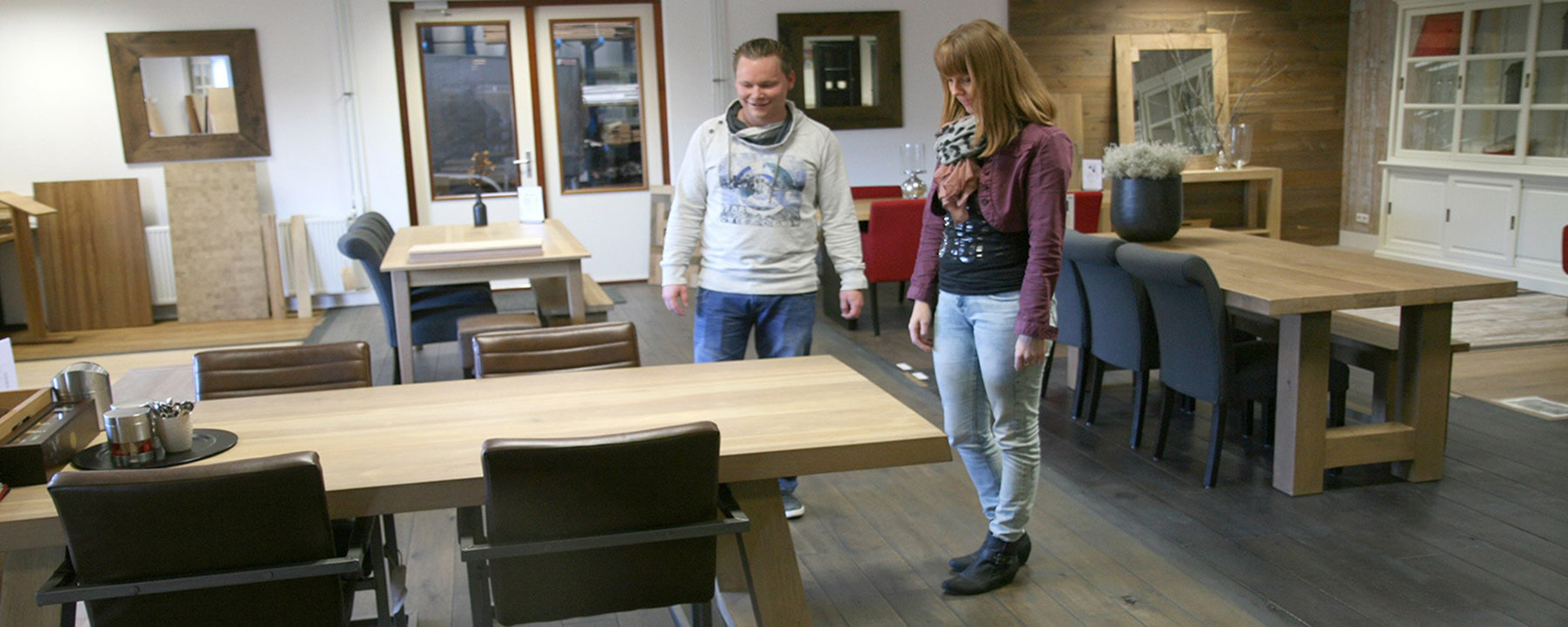 kies uw model tafel in de showroom